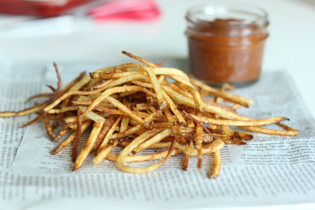 shoestring french fries, peach ketchup